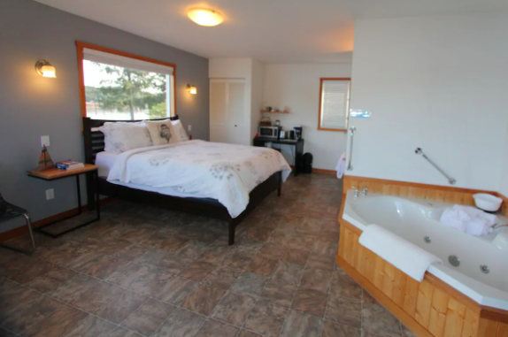 Ucluelet Vancouver Island AirBNB