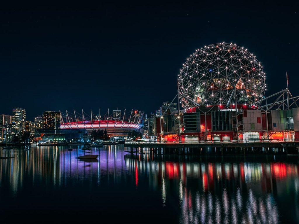 Vancouver - False Creek - Science World.