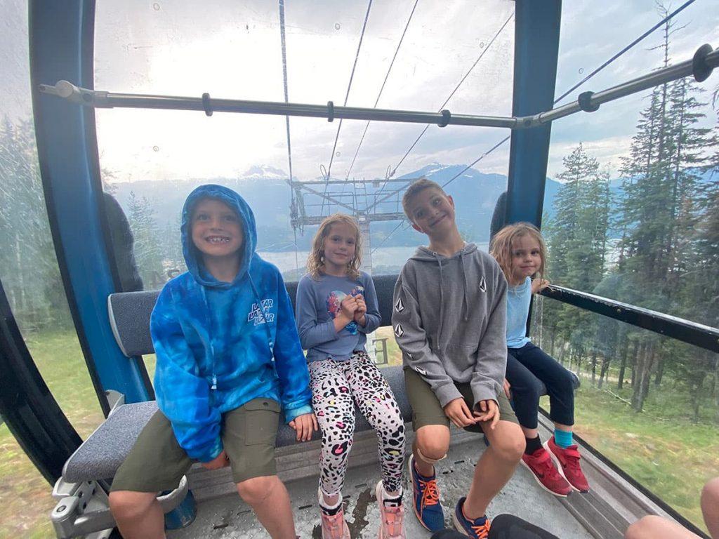 REVELSTOKE - Revelstoke Mountain gondola